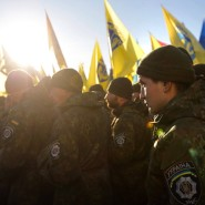 Ukrainische Soldaten beim Ehrenmarsch vergangene Woche in Kiew