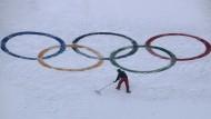 Zusammenkehren: Schweden kämpft um Olympia.