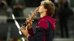 Zverev triumphiert in Madrid
