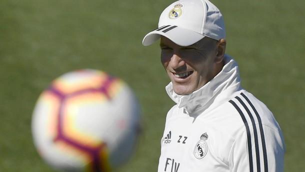 Zidane bastelt am Umbruch