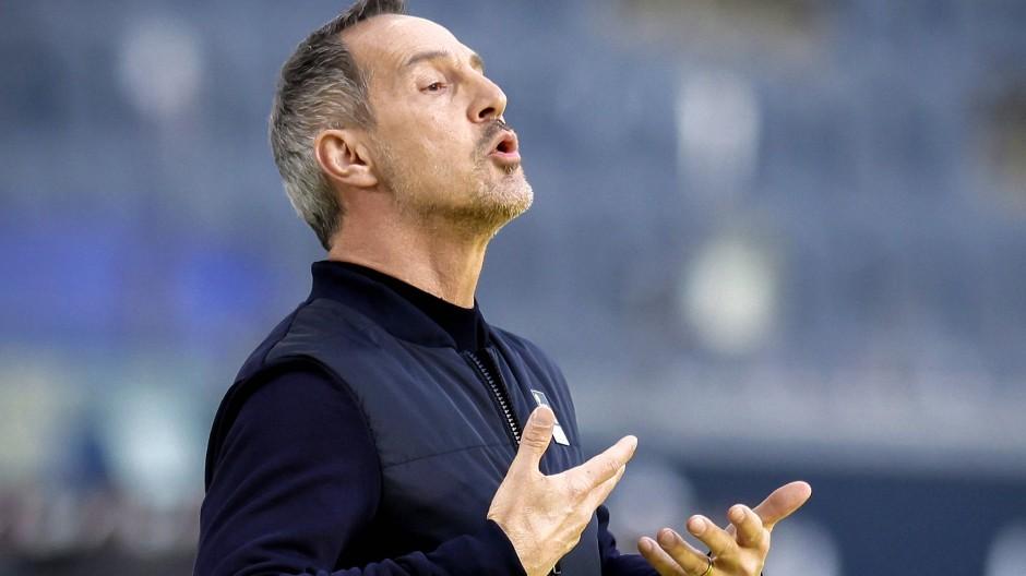 Mit breiter Brust: Eintracht Frankfurt und Trainer Adi Hütter