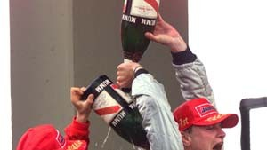 Schumacher sauer: Ferrari räumt Fehler ein