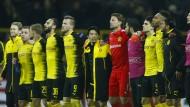 Immerhin: auch in der Niederlage stehen sie zusammen, die BVB-Spieler
