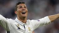 Die Hände zum Himmel: Cristiano Ronaldo könnte die ganze Fußballwelt umarmen.