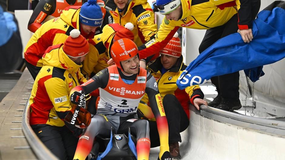 Eben noch Weltmeister in Sotschi, nun verzichten sie auf den Weltcup in Winterberg: Toni Eggert (vorne) und Sascha Benecken (verdeckt).