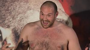 Box-Weltmeister Fury schlägt unter die Gürtellinie