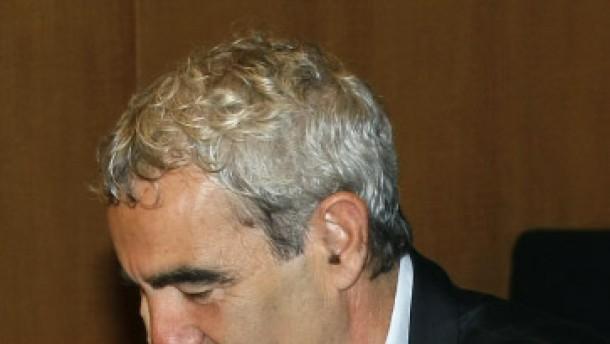 Umstrittener Domenech darf Nationaltrainer bleiben