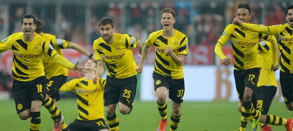 Dfb Pokal Halbfinale Bayern Rutscht Aus Bvb Im Finale