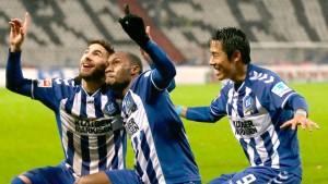 Frohe Weihnachten: Karlsruhe gewinnt deutlich gegen Frankfurt