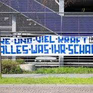 Die Solidarität der Darmstädter Fans drückt sich auch auf Dank-Plakaten aus.