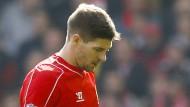 Liverpools Gerrard sieht nach 48 Sekunden Rot