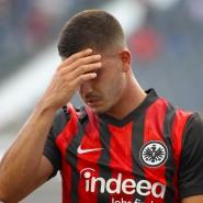 Enttäuschend: Die Eintracht um André Silva holt nur einen Punkt gegen die Arminia.