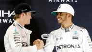 Am Ende gaben sich die Rivalen Rosberg (links) und Hamilton doch die Hand.