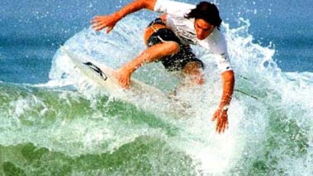 Wellenreiten vor Portugal: Meterhohe Supertubos
