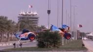 Vor einem Jahr wurde der Grand Prix im Golfstaat wegen Unruhen abgesagt - Soll er jetzt wieder stattfinden? Ecclestone hält sich bedeckt, Vettel hält es für machbar