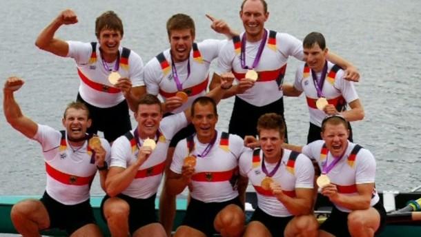 Das Paradeboot des Deutschen Ruderverbandes ist seiner Favoritenrolle gerecht geworden und hat Gold gewonnen.