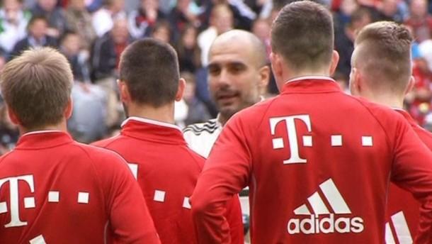 Der neue Bayern-Trainer Pep Guardiola leitete am Mittwoch sein erstes Training in München.