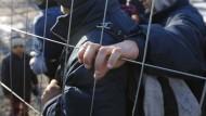 Mazedonien öffnet Grenze zu Griechenland wieder