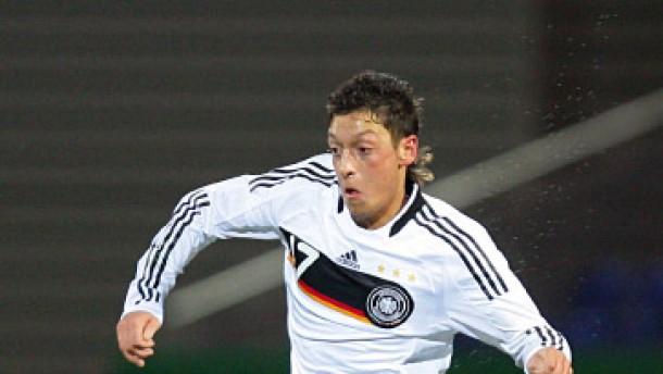Erstmals für die deutsche A-Nationalmannschaft nominiert: Mesut Özil