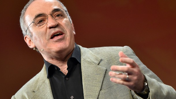 Kasparow ist wieder da