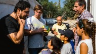 Flüchtlingskindern mit Sport positive Erlebnisse verschaffen: Sebastian Dietz (mit Ball), ist 32 Jahre alt und war zweimal Paralympics-Sieger.