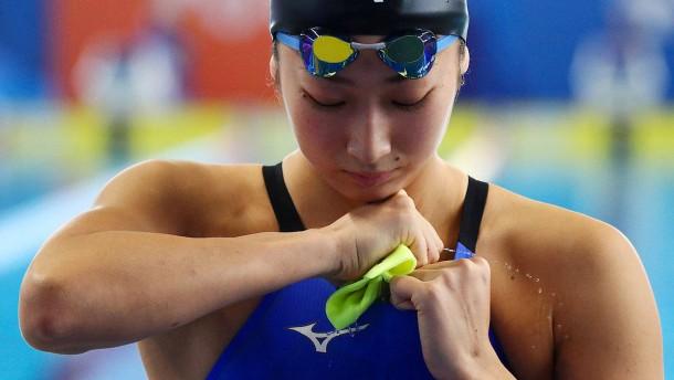 18 Jahre alte Schwimm-Hoffnung schwer erkrankt