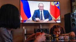 Putin erklärt April zum bezahlten Urlaubsmonat