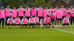 Darum trainierten die Spanier in rosa Leibchen