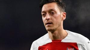 Arsenal stellt sich die Özil-Frage