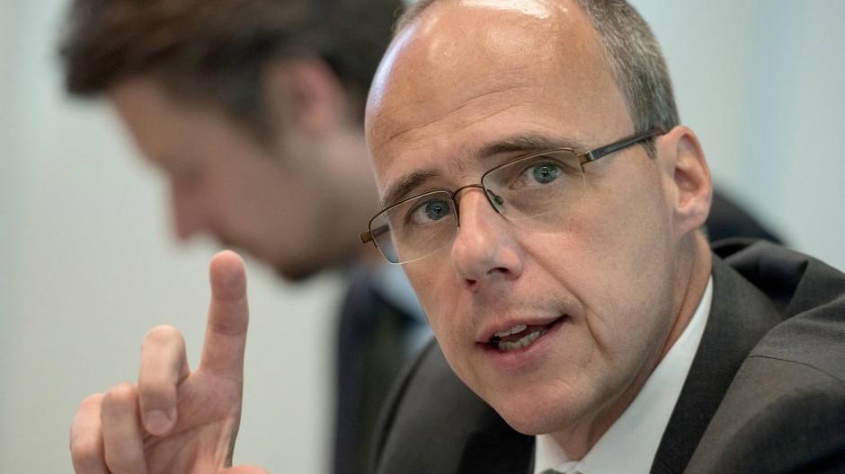 Obacht: Hessens Innenminister Peter Beuth will die Auswahl von künftigen Polizisten reformieren