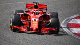 Ein Rammstoß bremst Vettel aus