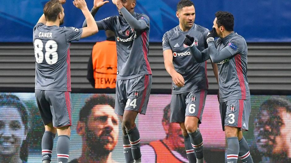 Istanbul gewinnt: Besiktas bejubelt den Siegtreffer durch Talisca