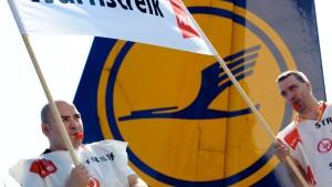 Lufthansa streicht am Donnerstag hunderte Flüge