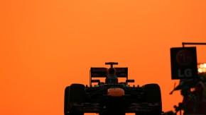 Rosarot ist für den WM-Spitzenreiter nichts in Abu Dhabi: Vettel startet als Letzter