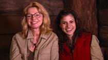 Noch immer bester Laune: Maren Gilzer und Tanja Tischewitsch können zwei Wochen Dschungelcamp scheinbar nichts anhaben