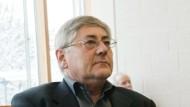 Trainer Werner Goldmann (Foto: am 16. Februar im Arbeitsgericht Darmstadt) hat sich gegenüber der Steienr-Kommission erklärt