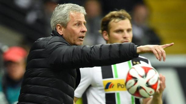 Favre hält seiner Borussia die Treue