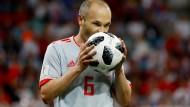Die Liebe zum Ball ist nun auch bei Endrunden zurückgekehrt: Spaniens Andrés Iniesta bei seiner vermutlichen letzten Weltmeisterschaft