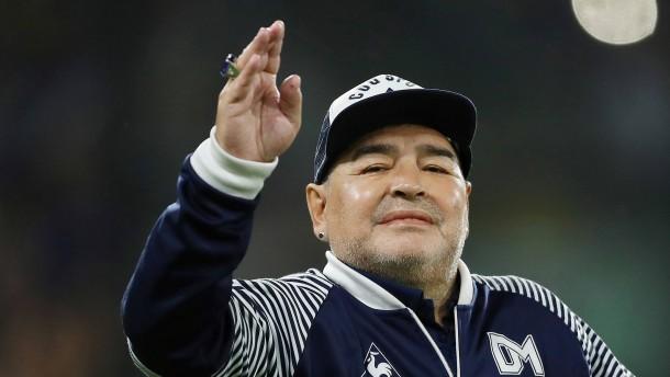 Maradona erfolgreich am Gehirn operiert