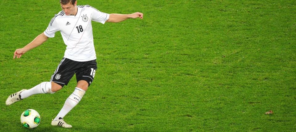 Toni Kroos Im Zentrum Der Dfb Elf Fussball Faz