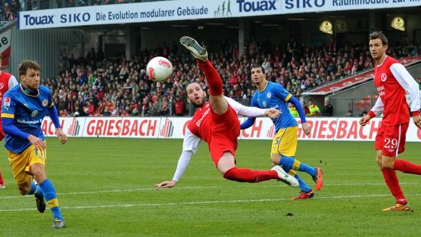 Eintracht verliert in Cottbus