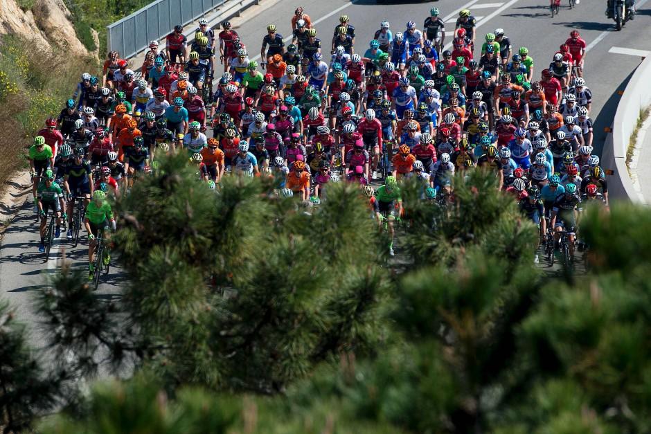 Hauptfeld der 97. Auflage der Katalonien-Rundfahrt