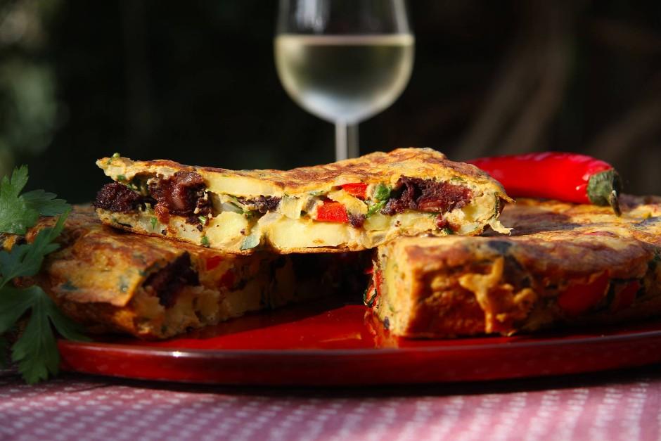 Am besten schmeckt die Tortilla, wenn sie im Inneren noch leicht cremig ist.