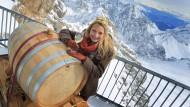 Ein auf der Zugspitze gärender Wein soll besser schmecken - das erhoffen sich fränkische Winzer.