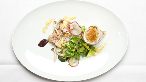 """""""Hier spricht der Gast"""" - Das Gericht """"Presskopf vom Wildschwein""""  wird im Restaurant Spielweg in Münstertal im Schwarzwald für die Telleranalyse im Rahmen eines Spezials gekocht und fotografiert."""