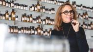 Der Ehrgeiz riecht die Möglichkeiten: Weil sie eine Frau ist, konnte Christine Nagel erst über Umwege Parfümeurin werden.