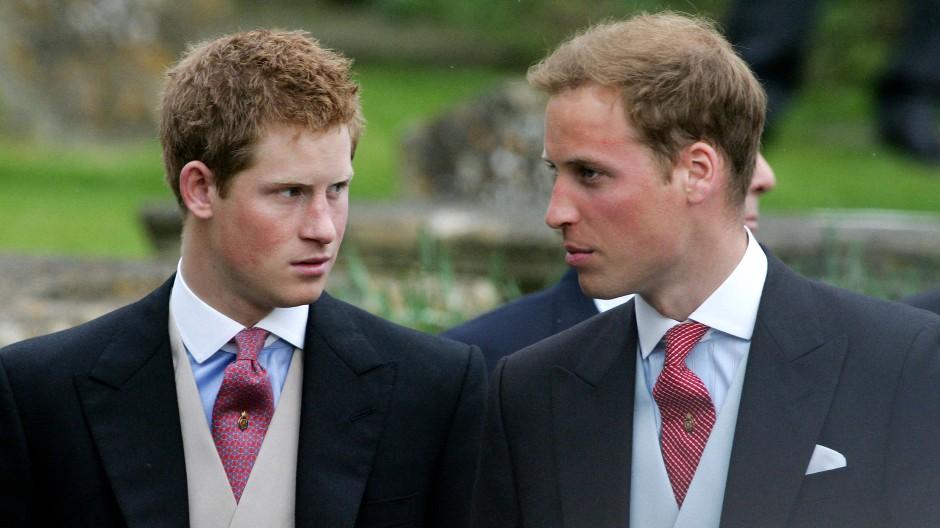Die Welt blickt gerne auf das royale Geschwisterpaar – und analysiert deren Beziehung auch mal aus der Fernne: Prinz Harry (links) und Prinz William