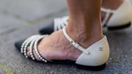 Hässlich? Die Frau im flachen Schuh ist heute nicht mehr der Schatten, ganz im Gegenteil.