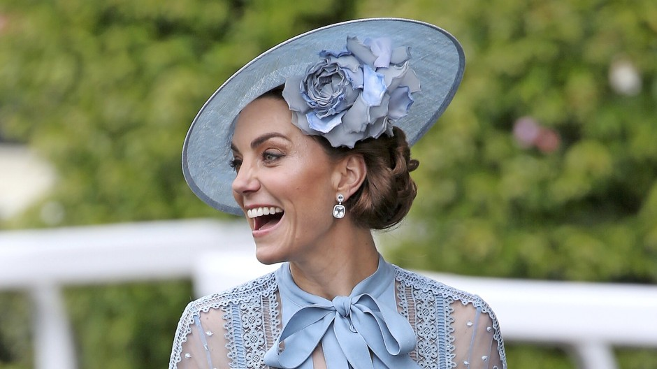 Das Ascot-Outfit von 2019: Das könnte die Herzogin von Cambridge passend zum Motto in diesem Jahr noch einmal tragen.