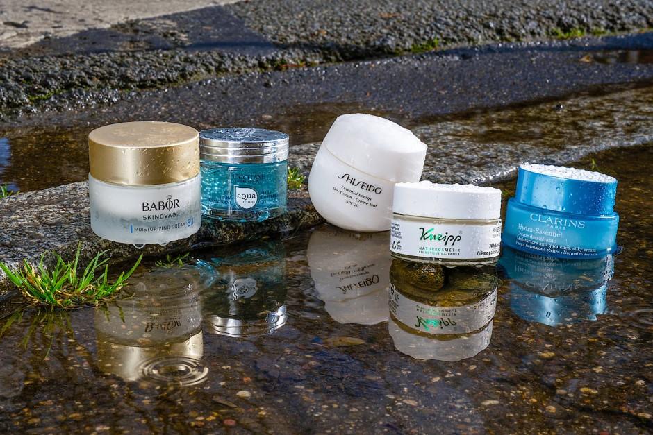 Gut durchfeuchtet: Cremes von Babor, L'Occitane, Shiseido, Kneipp und Clarins.